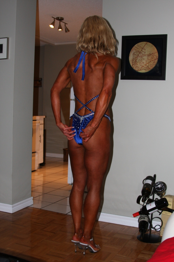 The Tanned and Butt Ugly: Photos I Cannot Resist Showing You (5/6)