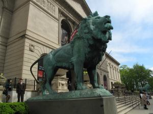 Lion in front of the Art Institute of Chicago.