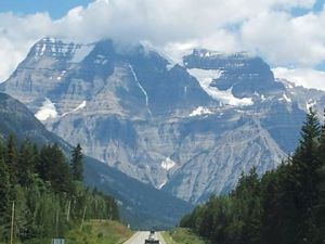 Picture of Mount Robson taken with my cell phone.