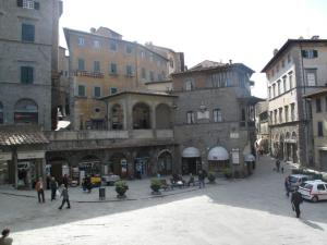 The main piazza in Cortona, a good place to buy bread and wine etc.